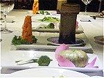 さっぱりとした味付けの見た目も可愛らしい「蓮の葉蒸しご飯」