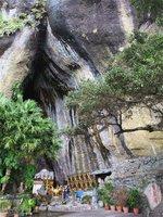 八仙洞の一番目の洞窟洞窟「靈岩洞」