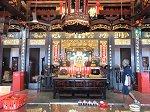青雲亭内部。道教・仏教・儒教の3つの廟が並ぶ