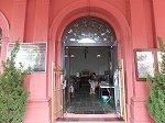ムラカ・キリスト教会。内部にはタイル画の「最後の晩餐」がある
