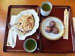 川崎大師名物の久寿餅(410円)と福の舞(300円)