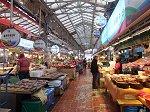 済州島の台所。新鮮な魚介類が売られている
