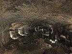 溶岩洞窟から鍾乳洞へ移行する途中の珍しい洞窟