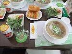 「フォー」とベトナムビール「333」で昼食