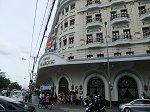 サイゴン川のほとりに建つ格調高いコロニアル風の優美なホテル「マジェスッティックホテル」