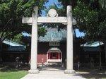 延平郡王祠:日本の鳥居のような石坊と本殿入口