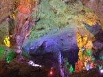 その奥にある洞窟最大の空間